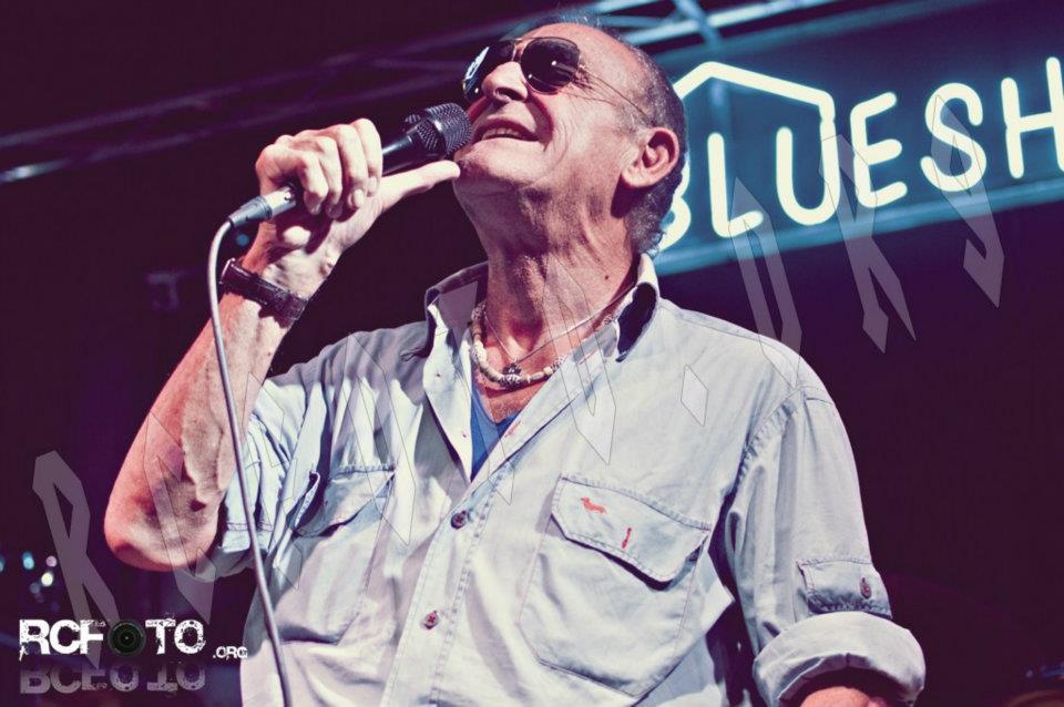 gino-santercole-blueshouse-blues-house-rcphoto-rcfoto-rc-foto-photo-roberto-cosentino-fotografo-jam-burrasca-una-carezza-in-un-pugno