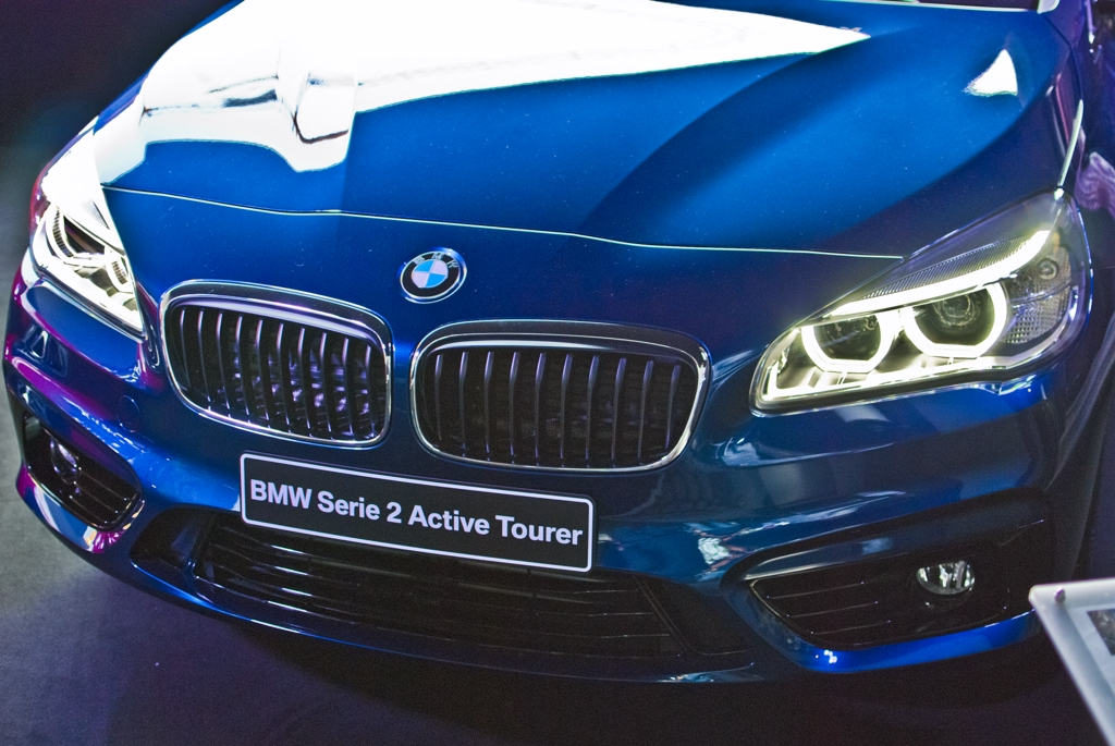 bmw-serie-2-interni-blu